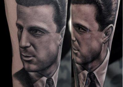 portrait black and grey tattoo,tatuaj portret