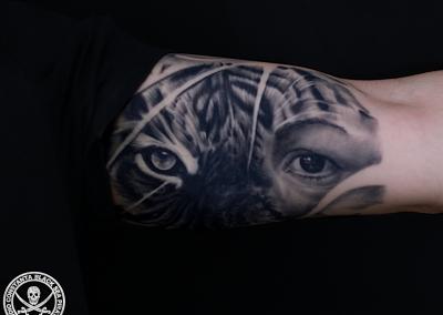 tatuaj-tigru,half-tiger-face-tattoo